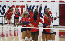Volleyball starts season strong with three weekend wins, falls short to North Dakota