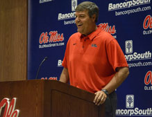 Offense stalls, defense collapses, Ole Miss football falls 38-37 to Arkansas